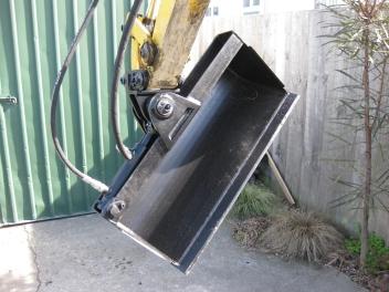 Custom-Made Tilt Bucket for Excavator